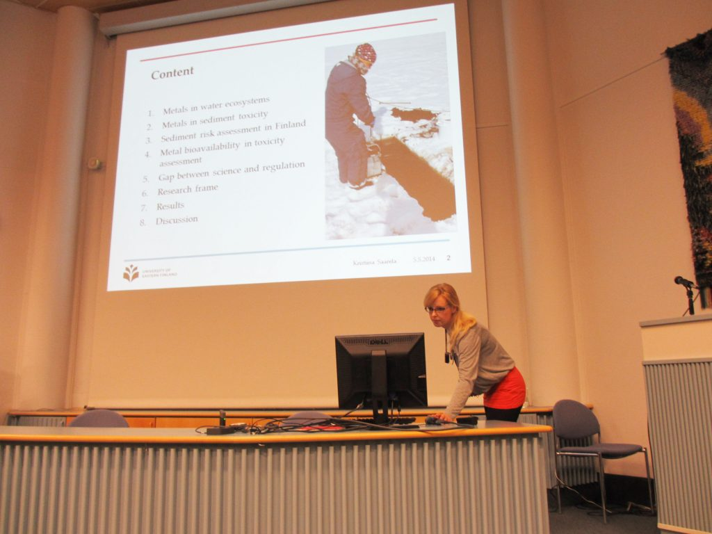 Kristiina Väänänen giving her presentation at annual meeting of Finnish Society of Toxicology.