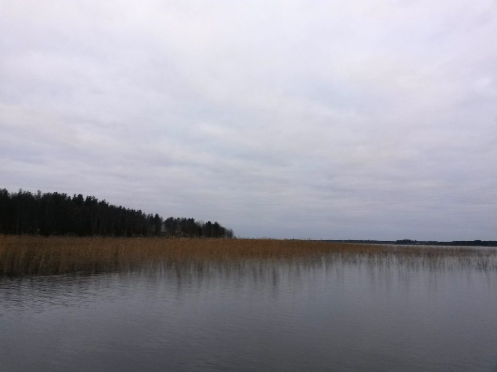 No rain, barely any wind... is this even possible? Perfect autumn weather in Lake Parkkimanjärvi.