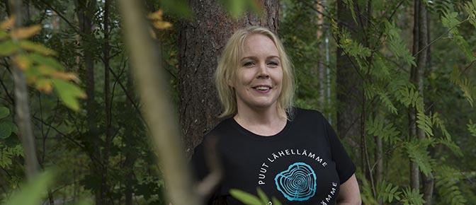 Kuvassa kirjallisuudentutkija Karoliina Lummaa.