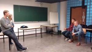 Lukiovierailuissa esiintymisen harjoittelua UEF-lähettiläiden koulutuspäivässä Joensuussa.
