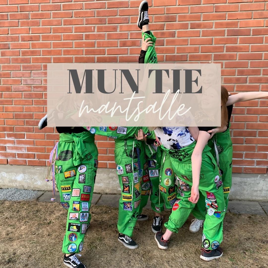 Kuva maantieteen opiskelijoista haalareissa, kuvan päällä teksti: Mun tie mantsalle.