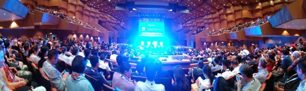 paljon ihmisiä, auditorio, lots of people, auditorium